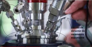 Liquido nas conexões - Reator de alta pressão Berghof Highpreactor